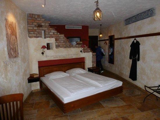 "Hotel ""Santa Isabel"" Europa-Park: chambre"