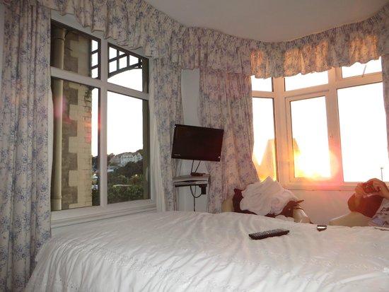 Gabriel House : Grande clarté avec les deux fenêtres