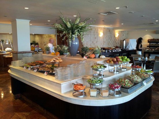 Crowne Plaza Tel Aviv Beach: Part of Breakfast Buffet