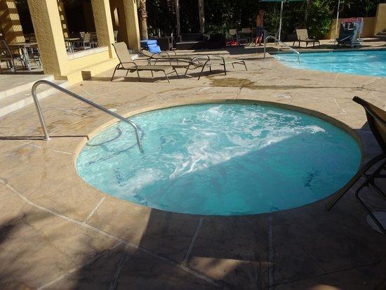 Best Western Inn at Palm Springs: hottub
