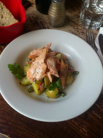 The Dogs : smoked trout, potato, radish, caper and parsley salad