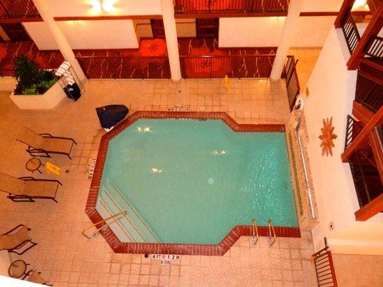 Hilton Garden Inn San Antonio Airport : Indoor pool.