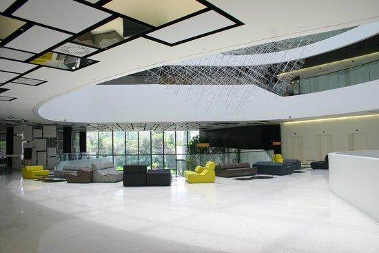 Hotel Lone : the lobby