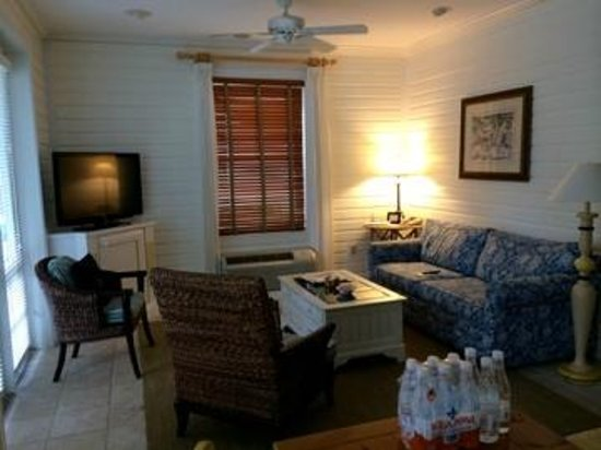 Sunset Key Cottages, A Luxury Collection Resort, Key West: cottage living room