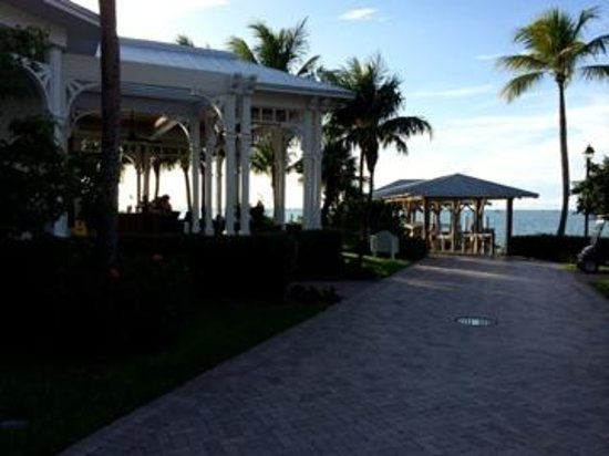 Sunset Key Cottages: bar is first stop off ferry