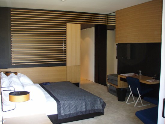 Hotel Lone : room 457