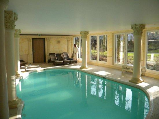 Piscine picture of hotel du parc niederbronn les bains for Piscine niederbronn