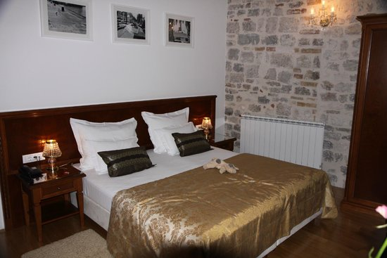 Palace Judita Heritage Hotel : Luxurious, modern bedroom