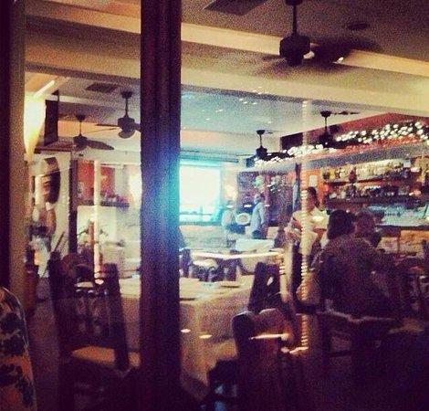 Montesacro Resto - Bar: Foto desde la terraza hacia Adentro del restaurante