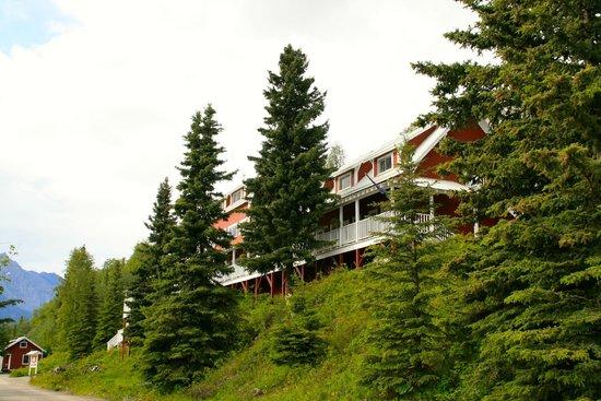 Kennicott Glacier Lodge: south wing