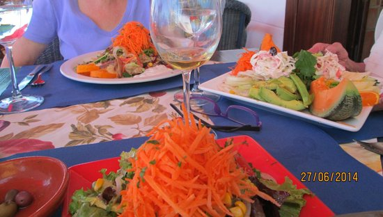 Salads at 'Julia's', ie A Barquinha