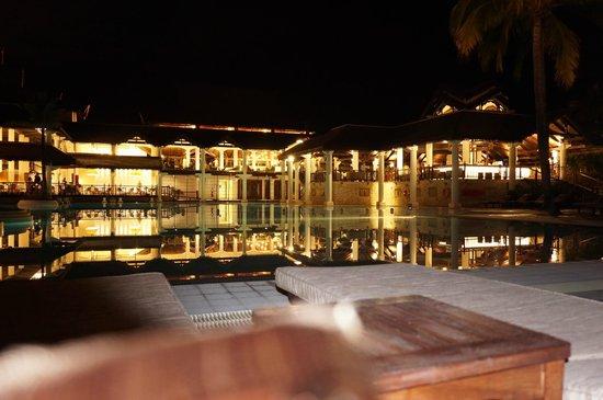 Sofitel Mauritius L'Imperial Resort & Spa : Blick auf das Restaurant und die Bar