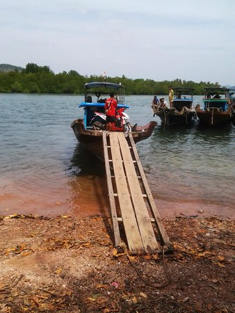 Ko Jum: Ferry