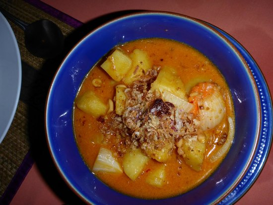 Luna Hut Restaurant : Kartoffel Curry Suppe