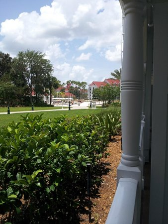 Disney's Grand Floridian Resort & Spa: View from balcony looking towards pool area