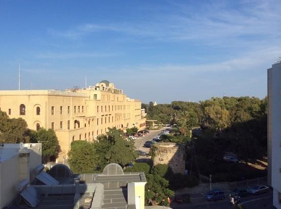 Rodian Gallery Hotel Apartments : вид с балкона