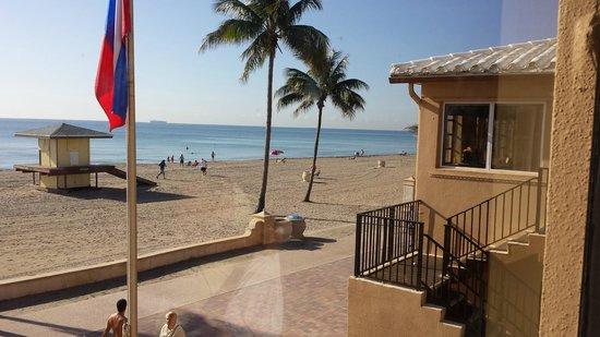 Neptune Hollywood Beach Hotel: boats and cruises on the horizon