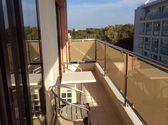 Rodian Gallery Hotel Apartments : балкон