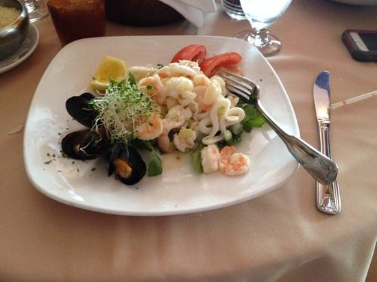 Ragazzi Restaurante & Pizzeria: seafood salad