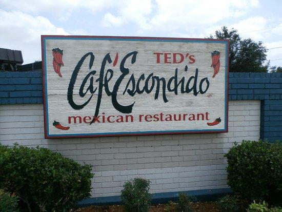 Ted's Cafe Escondido : Restaurant sign