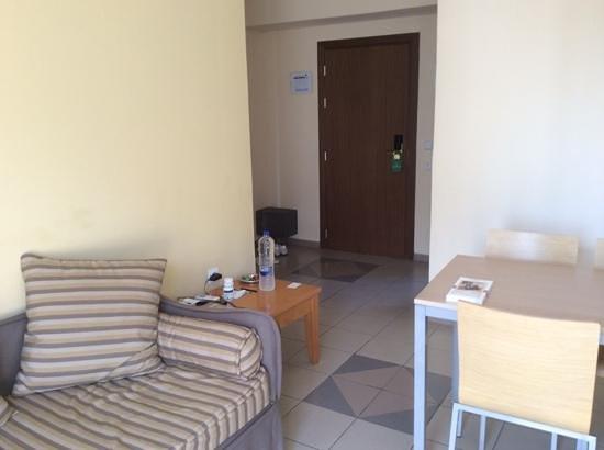 BEST WESTERN Rodian Gallery Hotel Apartments : гостиная