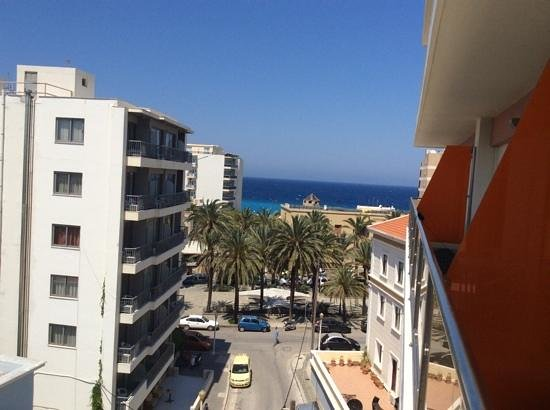 BEST WESTERN Rodian Gallery Hotel Apartments : вид с балкона