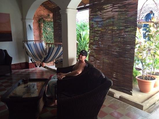 Casa Silas B & B: relaxing after a dip in the pool