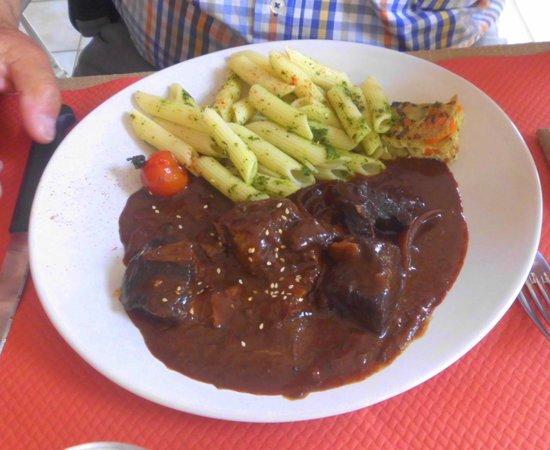 La Ferme des Janets: beef stuw with pasta
