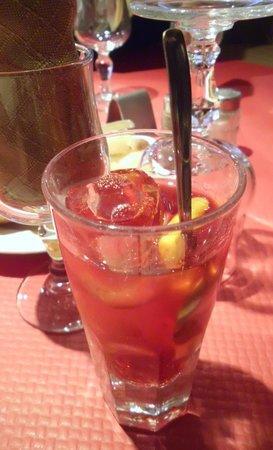"La Ferme des Janets: Coctail de Janets ""cointraux, gin, martini rosso,white martini"""