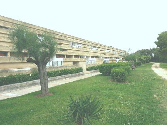 VOI Alimini Resort : Vista esterna della struttura