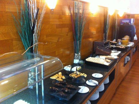 Exe Parc del Valles: Buffet petit déjeuner
