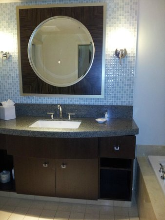 Bay Lake Tower at Disney's Contemporary Resort: Master Bathroom - sink area with jacuzzi tub - shower area separate with toilet