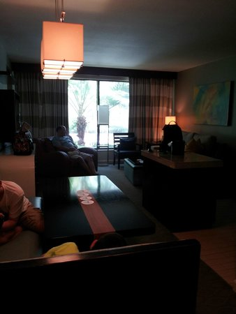Bay Lake Tower at Disney's Contemporary Resort: Overall living room area with kitchen