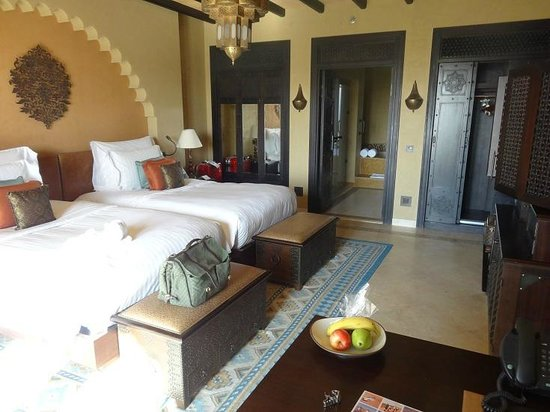 Qasr Al Sarab Desert Resort by Anantara: room