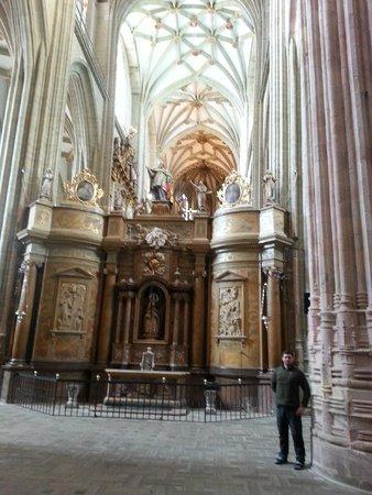 Catedral de Astorga: Magnitude dos pilares