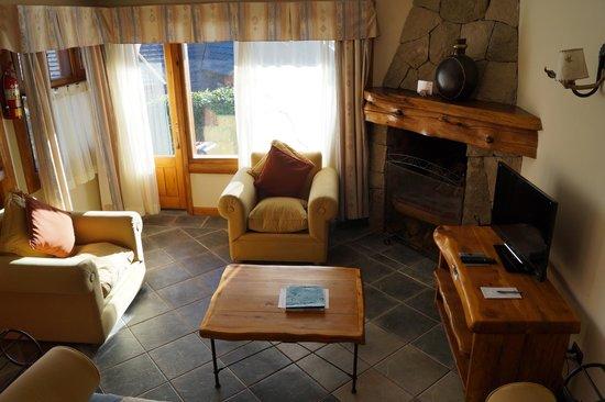 Nido del Condor Hotel & Spa: Dentro do quarto tinha uma salinha com lareira
