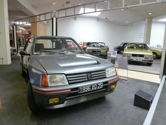 Musée de l'Aventure Peugeot: 205 T16 et autres véhicules