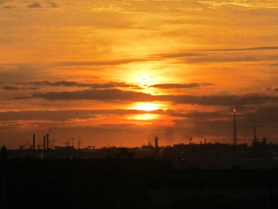 laterrazademanolo: Auringon nousu terassilta vanhasta Havannasta