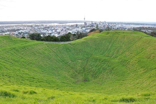 Mount Eden : View from Mt Eden