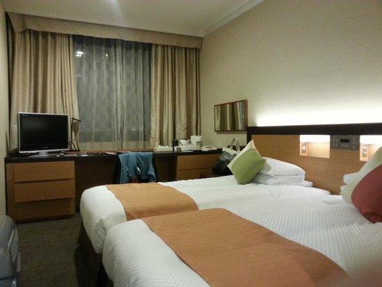 Dai-Ichi Hotel Annex: twin room