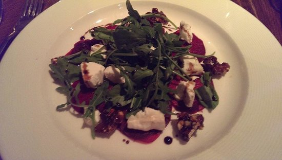 The Farm House Restaurant: Goats Cheese & Beetroot Salad