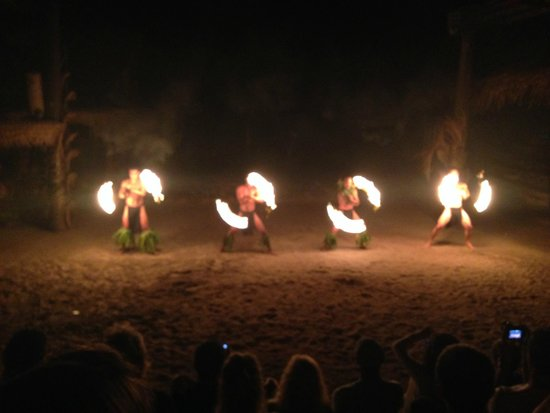 Tiki Village Cultural Centre : Parte del espectáculo