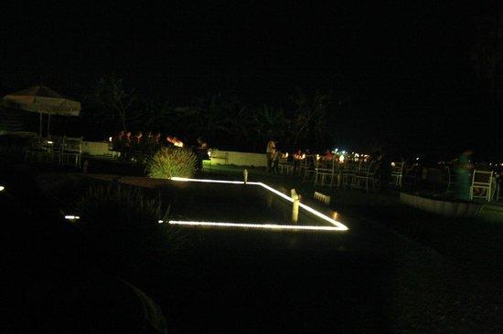 Rampratap Palace: dining area / front restaurant at night