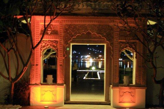 Rampratap Palace: entrance to the lakeside restaurant