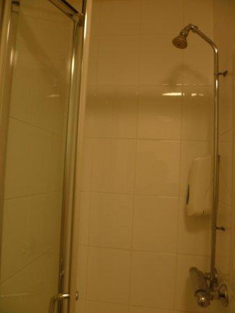 Victoria Inn: La douche