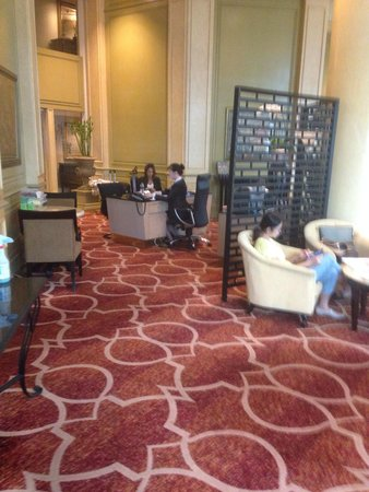 Mandarin Oriental, Kuala Lumpur: Guest Registration at Club Lounge on 24th Floor