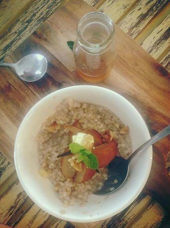 The Little White Rabbit: Buckwheat porridge with caramelised pears