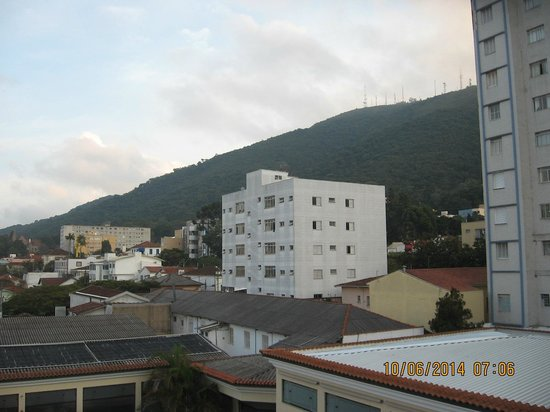 Hotel Minas Gerais: Minas Gerais Hotel- view of the mountains in the background