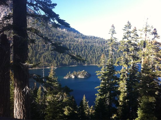 Inspiration Point Vista: Stunning views of Emerald Bay from Inspiration Point!