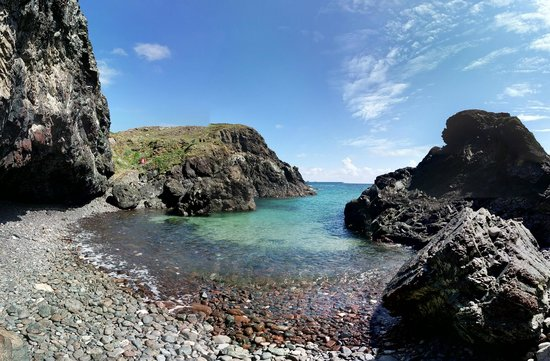 Cadgwith Cove Inn: Kynance Cove